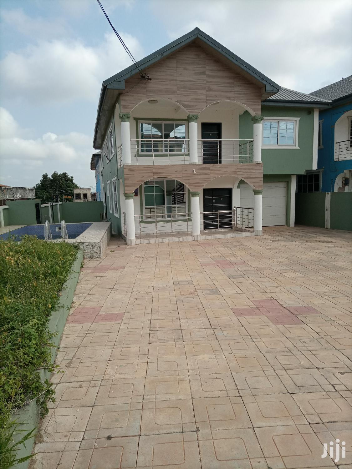 5 Bedrooms House for Sale With Swimming Pool at Achimota Mall