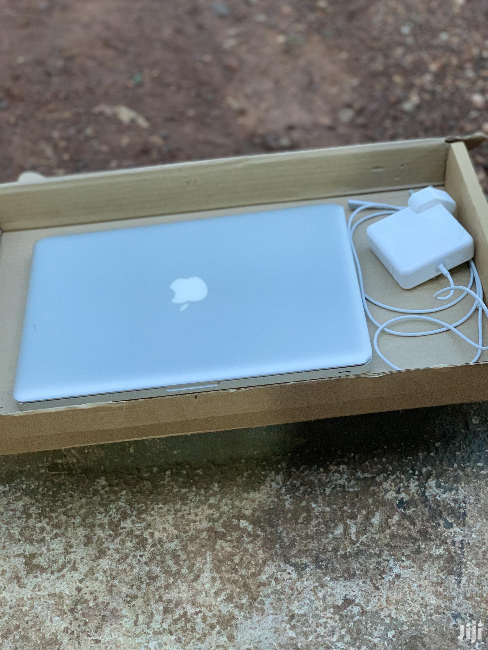 Laptop Apple MacBook 2010 4GB Intel Core 2 Duo HDD 320GB | Laptops & Computers for sale in Kumasi Metropolitan, Ashanti, Ghana