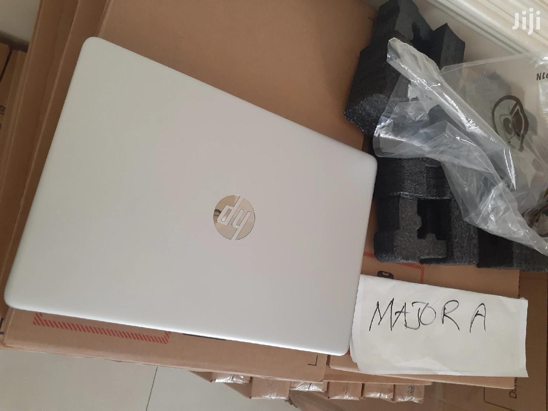 Archive: New Laptop HP Pavilion 14 8GB Intel Core i3 SSD 256GB