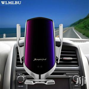 Wireless Car Phone Charger R2 Automatic Clamping   Vehicle Parts & Accessories for sale in Greater Accra, Kwashieman