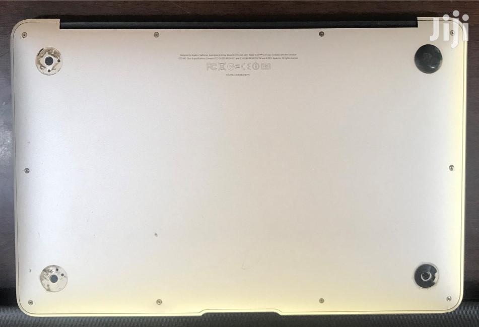 Archive: Laptop Apple MacBook Air 2GB Intel Core I5 SSD 60GB
