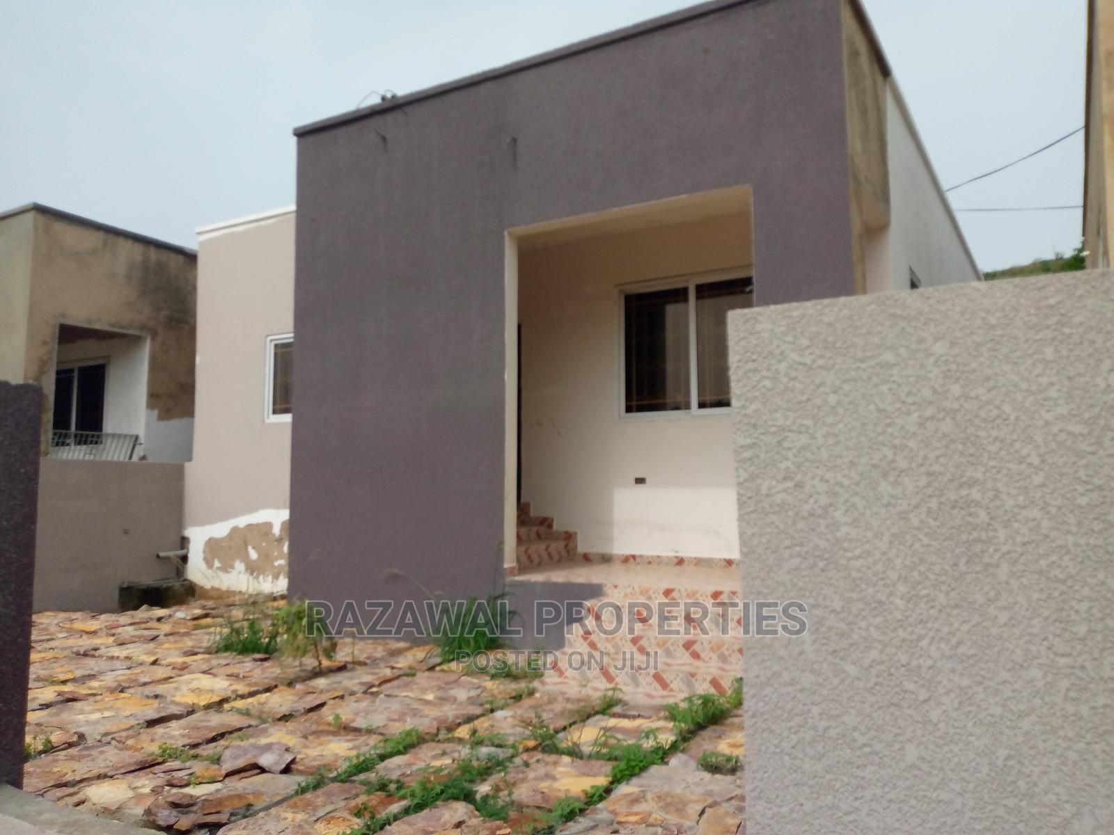 2 Bedroom House in Kwabenya