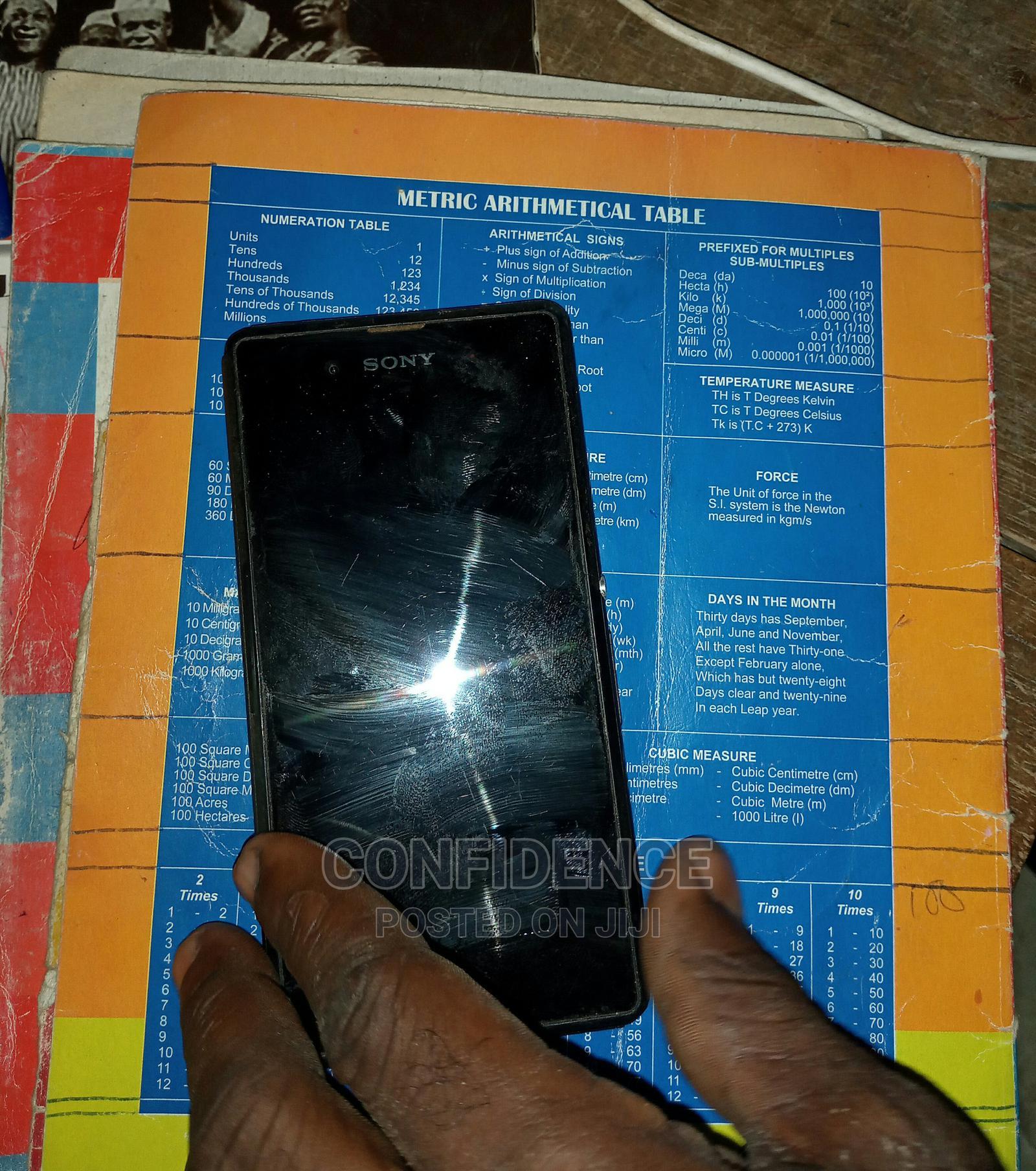 Sony D 2403 8 GB Black | Mobile Phones for sale in Atwima Mponua, Ashanti, Ghana