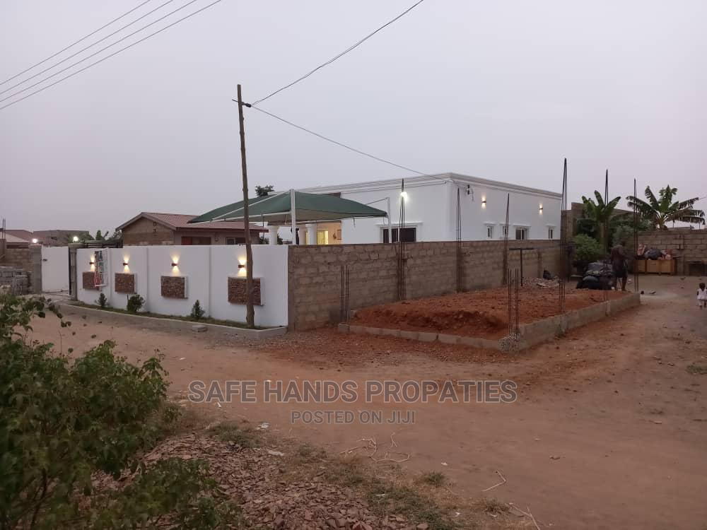 Three Bedrooms for Sale   Houses & Apartments For Sale for sale in Accra Metropolitan, Greater Accra, Ghana