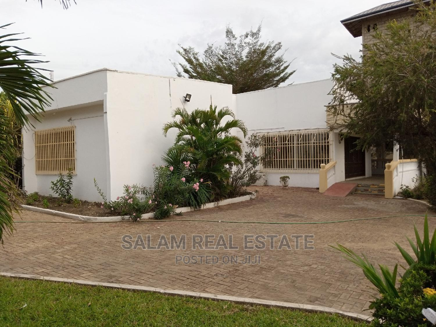 7 Bedroom House at North Legon for Sale