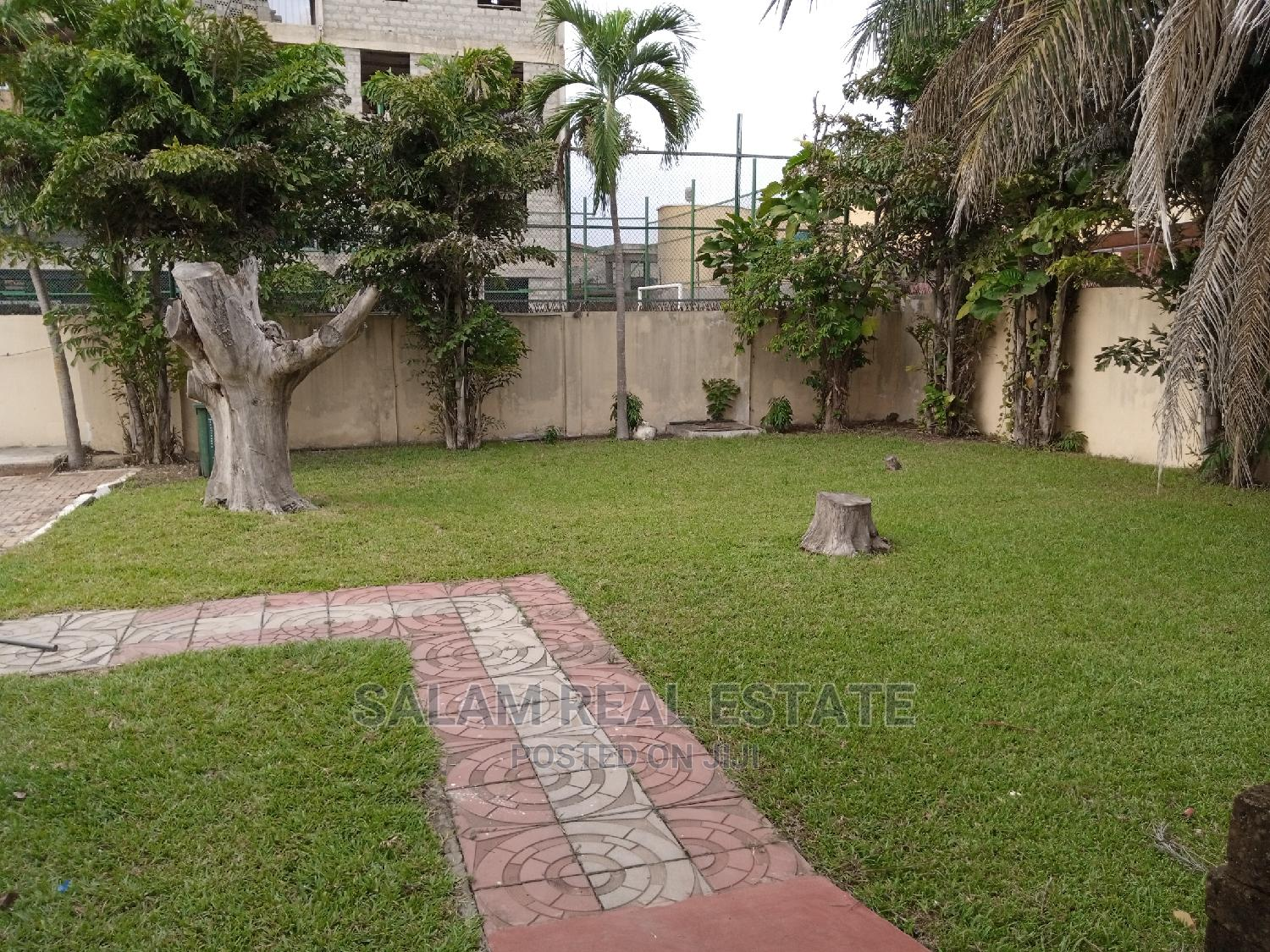 7 Bedroom House at North Legon for Sale   Houses & Apartments For Sale for sale in Madina, Greater Accra, Ghana