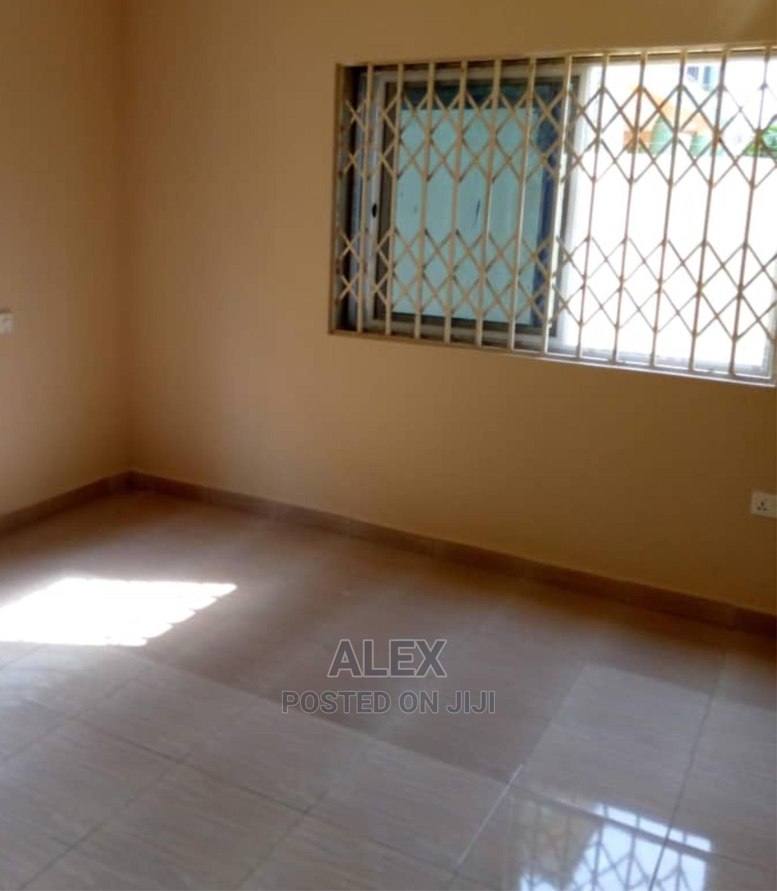 Archive: Nice Cheap Hall and Chamber Self-Contained to Let at W.Legon
