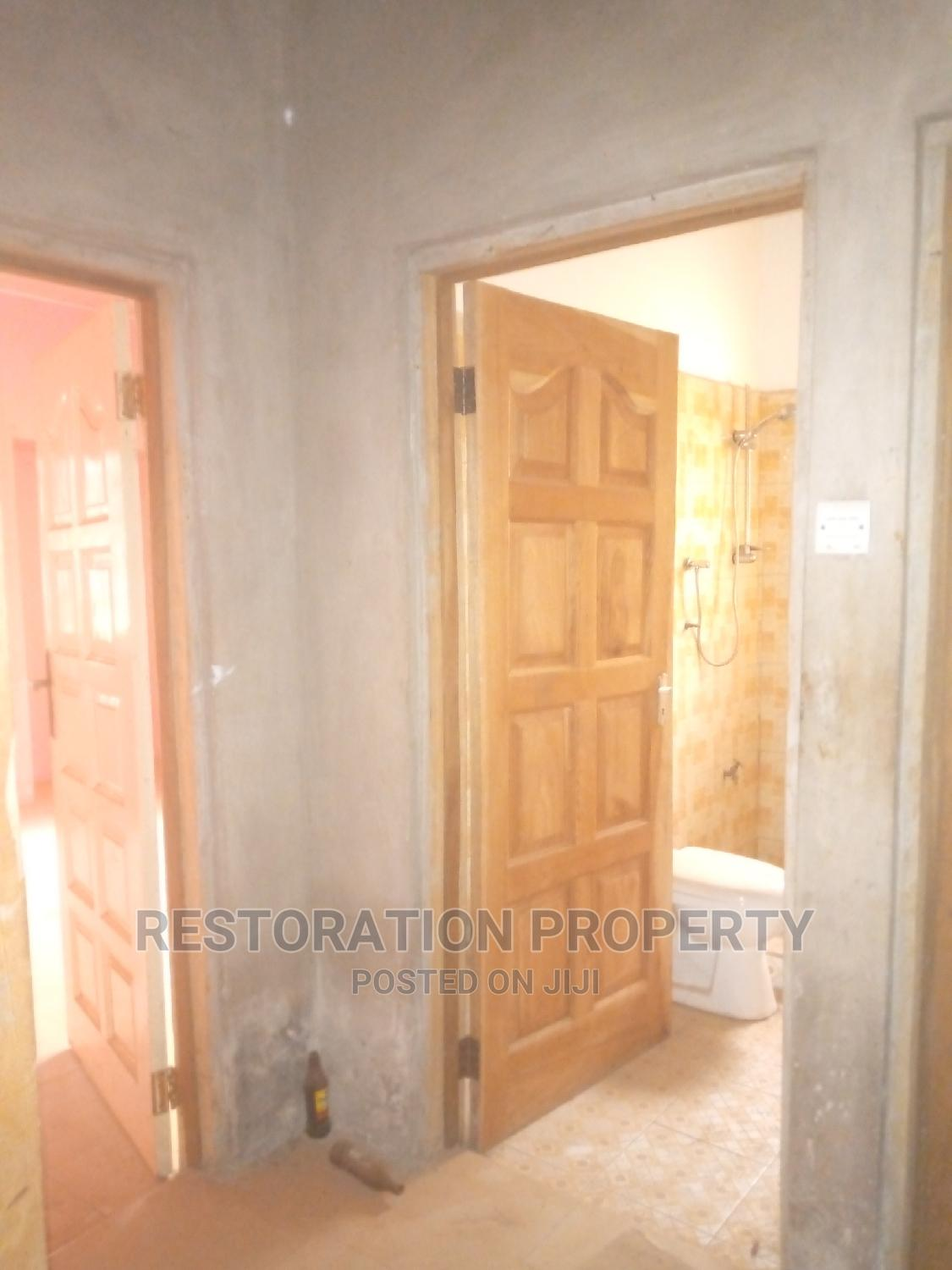Archive: Single Room Self Contained for Rent at Adenta Commandos