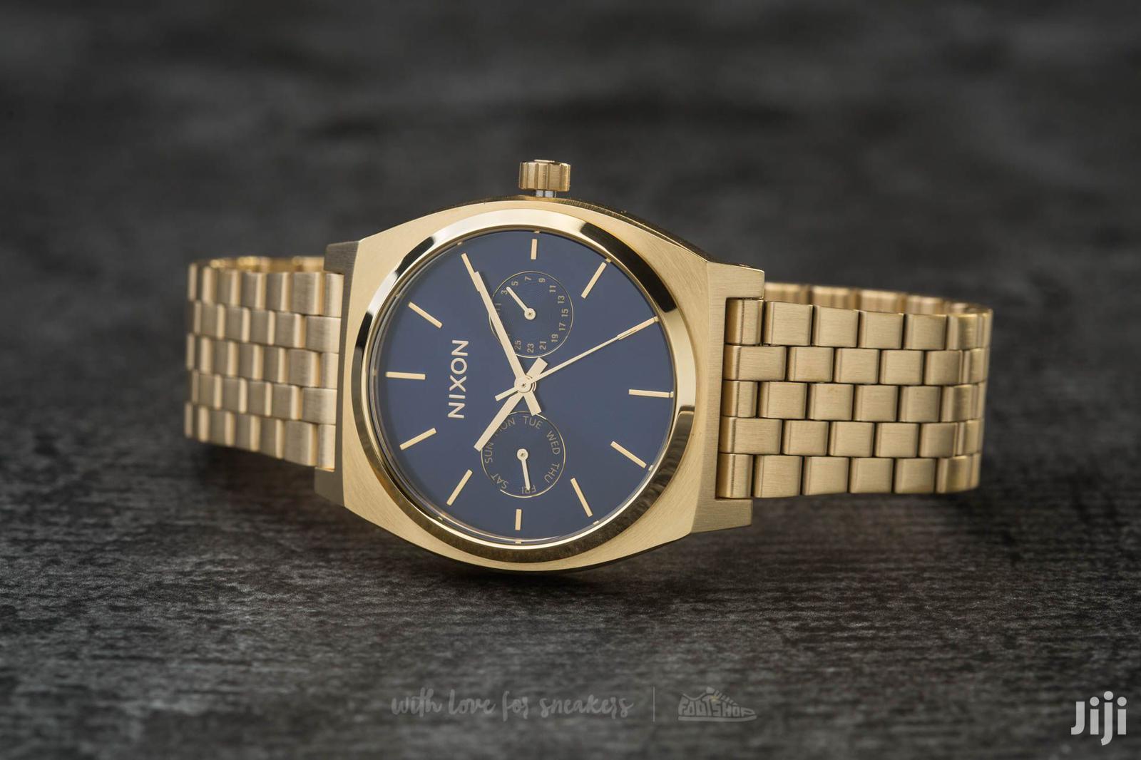 Archive: Nixon Delux Luxurious Watch