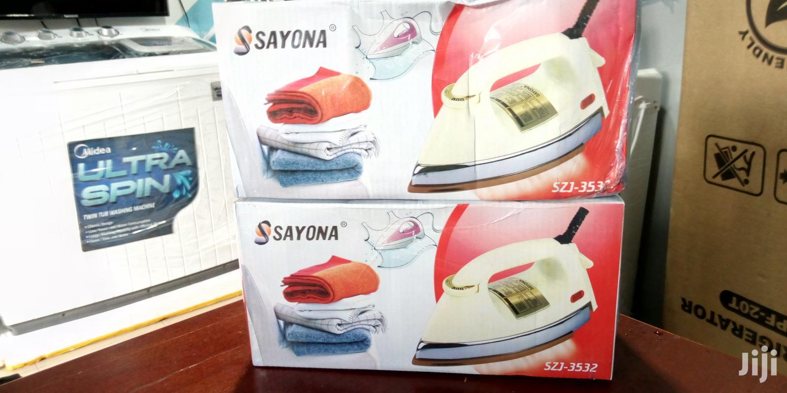 Sayona Dry Iron