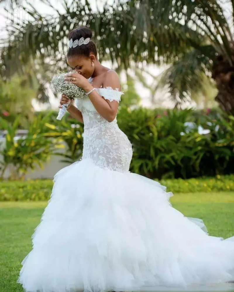 Elegant Wedding Gown + Free Veil   Wedding Wear & Accessories for sale in Adenta Municipal, Greater Accra, Ghana