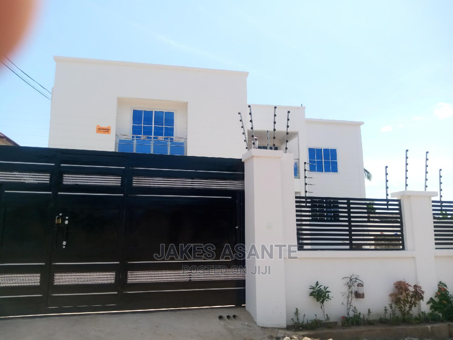 4bdrm Mansion in Property Embassy, West Hills Mall Area for Sale