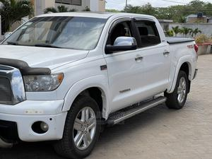 Toyota Tundra 2010 Double Cab 4x4 Limited White   Cars for sale in Greater Accra, Tema Metropolitan