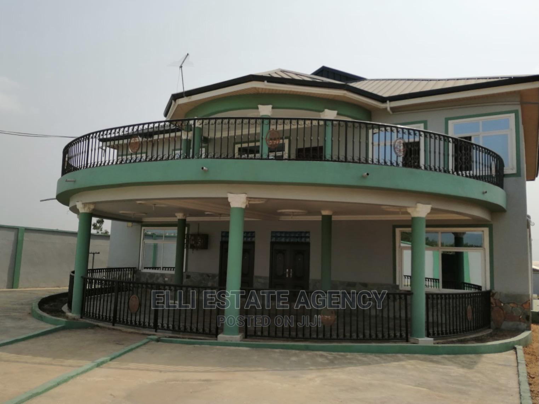 7bdrm Duplex in Adenta for Sale