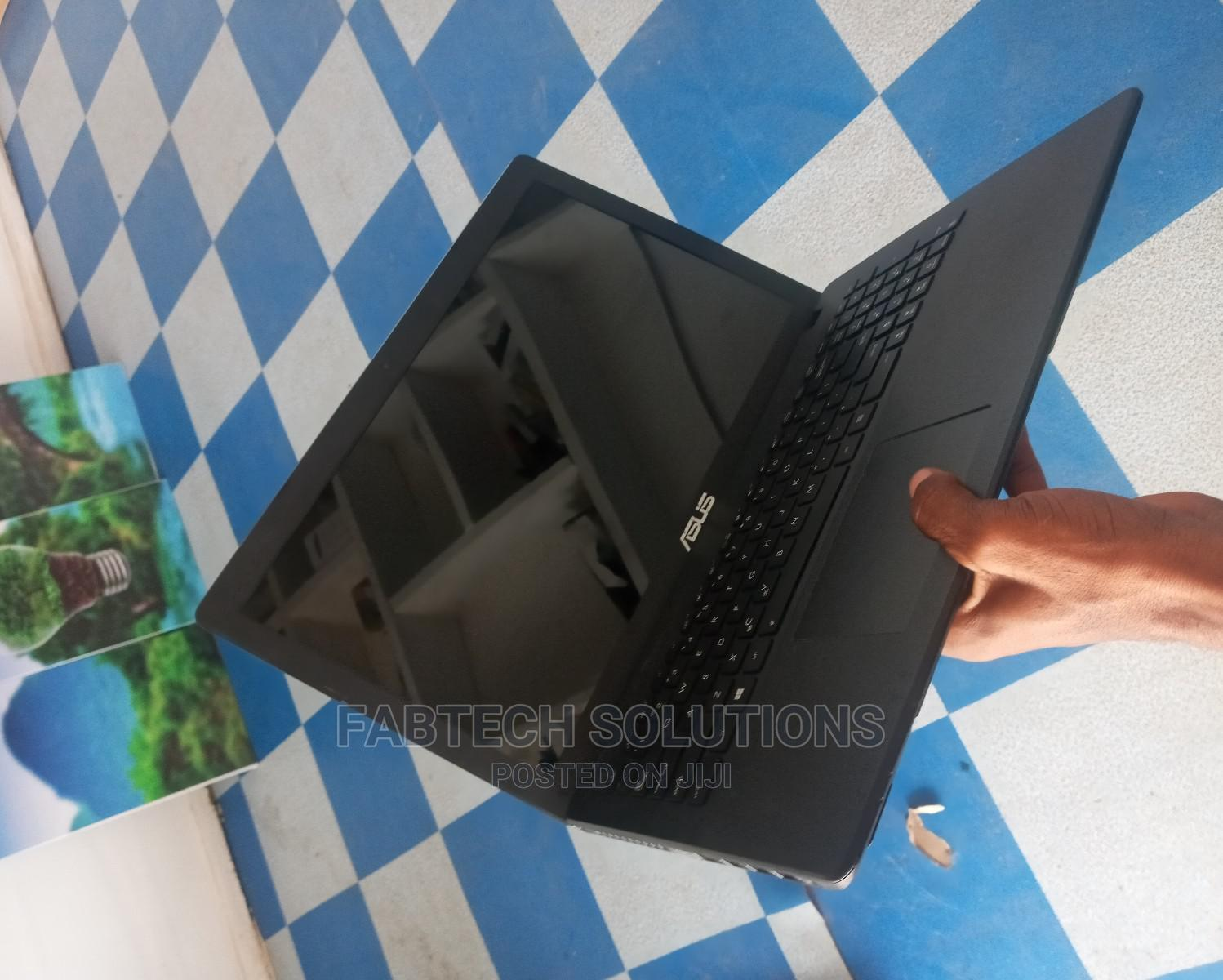 Laptop Asus Other 4GB Intel Core I3 HDD 320GB