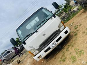 Hyundai Mighty Going for a Cool Price | Trucks & Trailers for sale in Central Region, Cape Coast Metropolitan