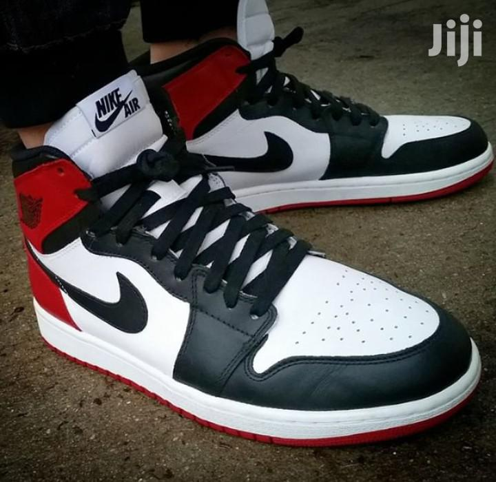 Original Nike Jordan Retro in Stock