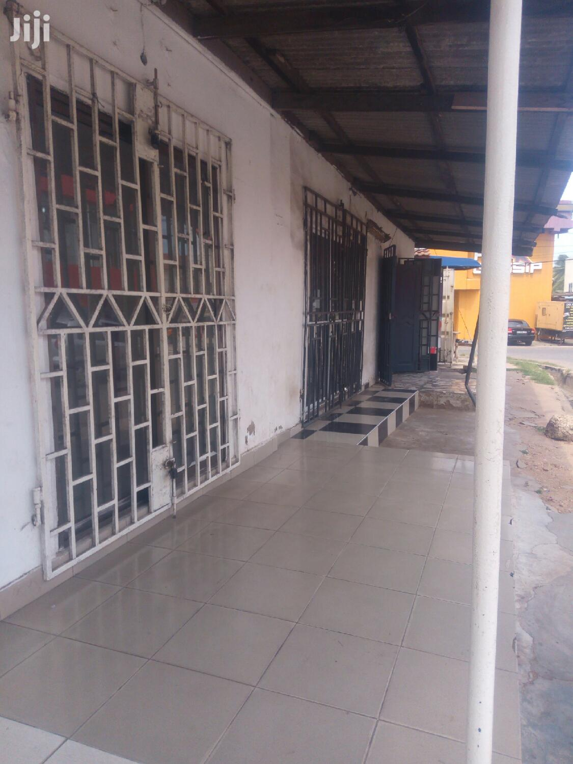 Shop to Let Osu Re | Commercial Property For Rent for sale in Osu, Greater Accra, Ghana