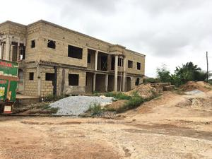 8bdrm Block of Flats in Near Tabea, Bosomtwe for Sale | Houses & Apartments For Sale for sale in Ashanti, Bosomtwe
