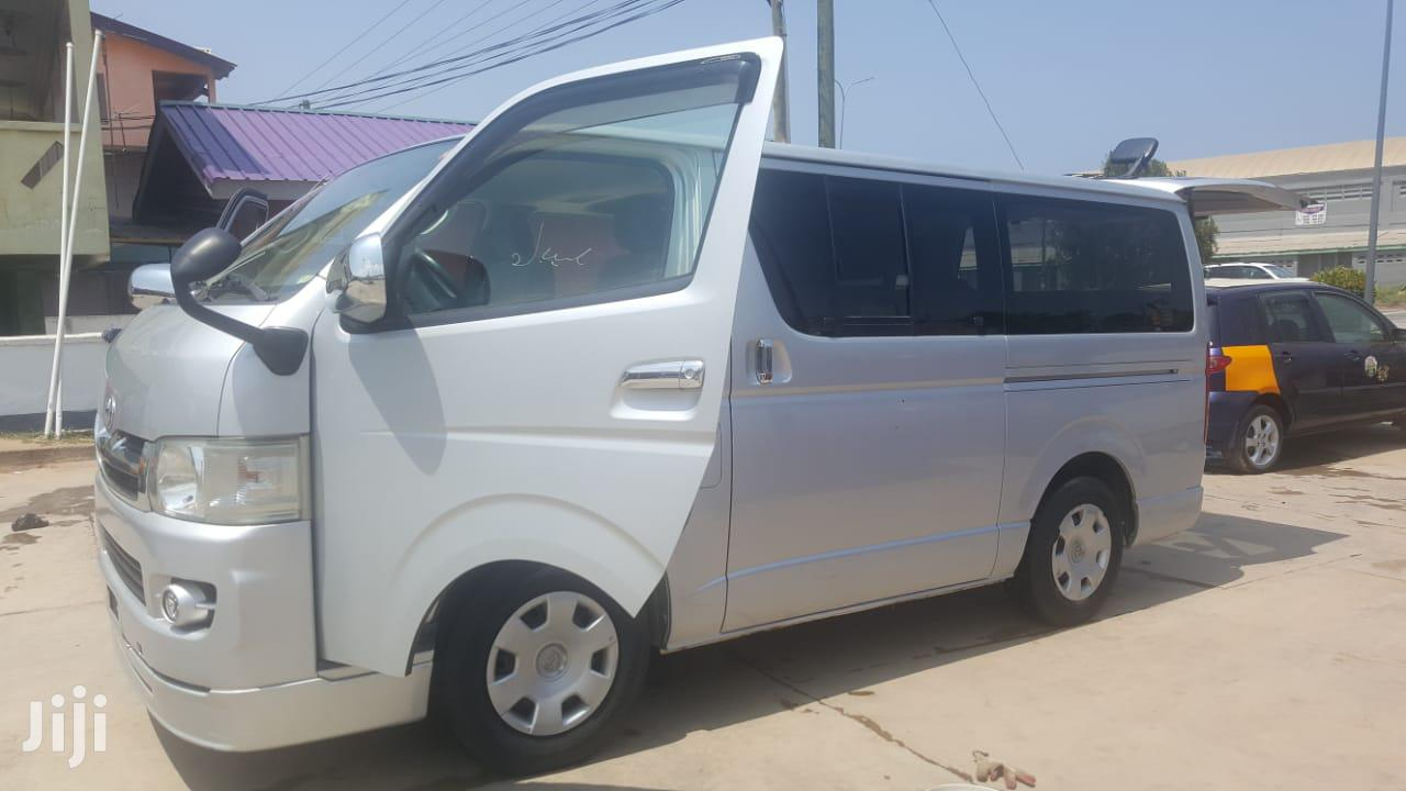 Archive: Toyota Hiace 2009 Silver