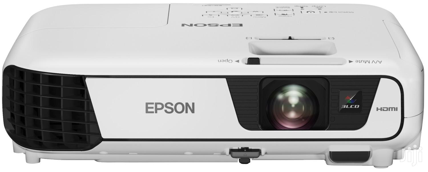 EPSON Eb-s41 Projector 3300 Lumens+Bag | TV & DVD Equipment for sale in Achimota, Greater Accra, Ghana