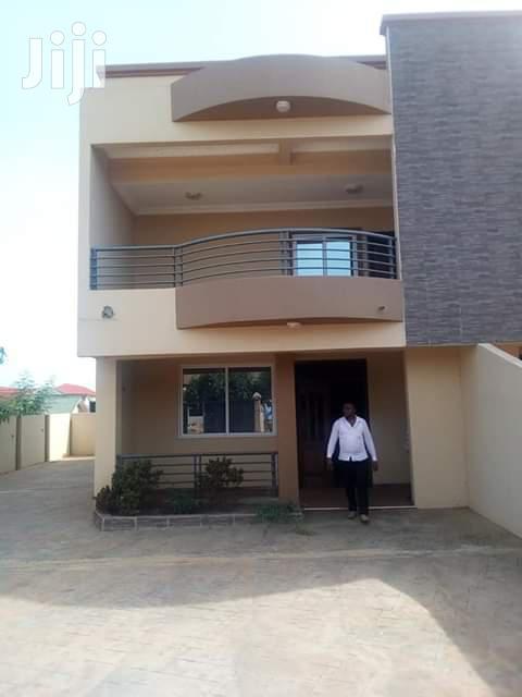 3 Bedrooms Duplex House For Sale
