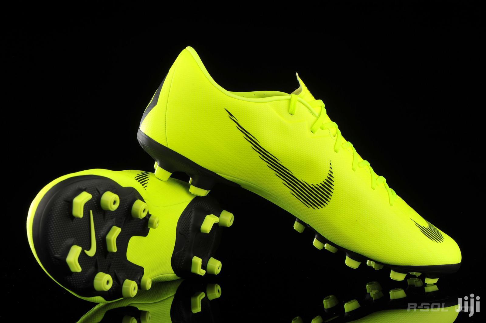 Nike Mercurial Vapor XII Soccer Boots