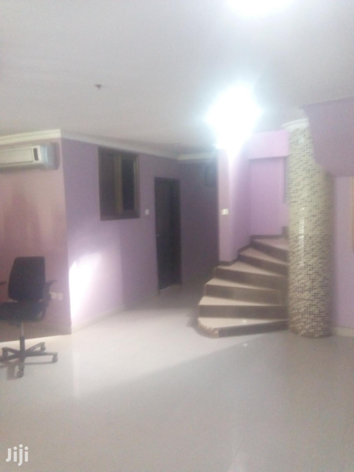 Archive: Space 4 House Parties Tema C6