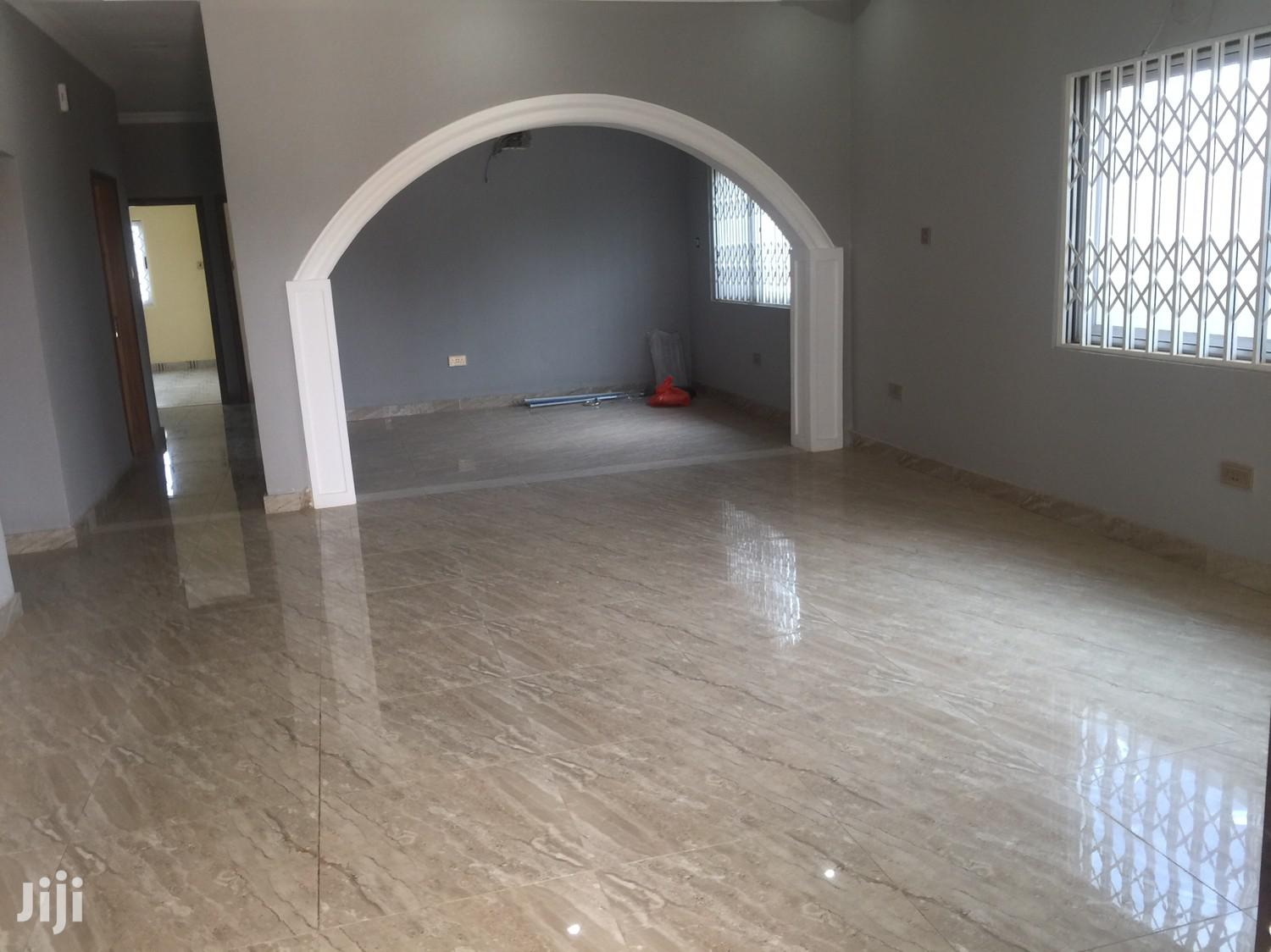 Archive: 3 Bedrooms Newly Built Spintex