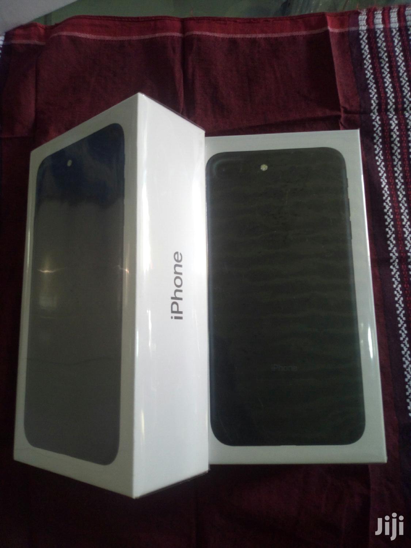 New Apple iPhone 7 Plus 128 GB Red