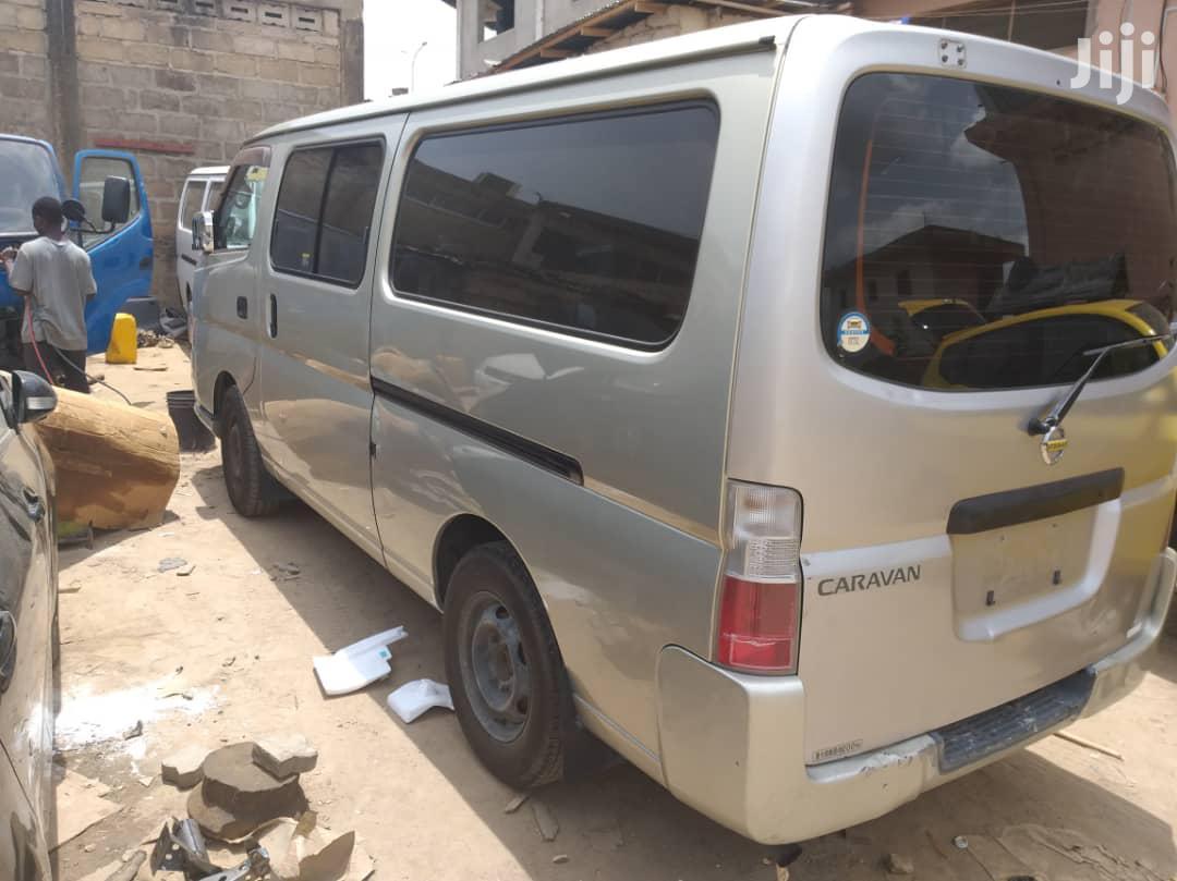 Archive: Nissan Caravan
