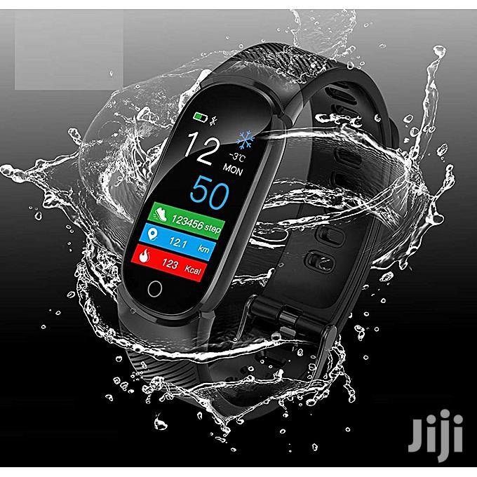 Q6 Multi-functional Water Proof Smart Watch Bracelet Fitness Tracker