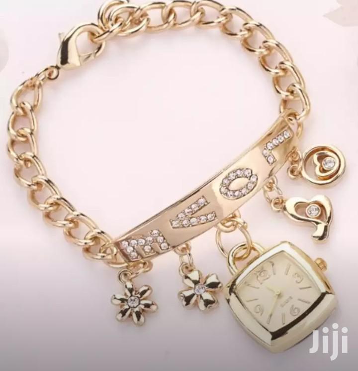 Archive: Elegant Susenstone Women Love Rhinestone Gold Chain Montre Femme Watch