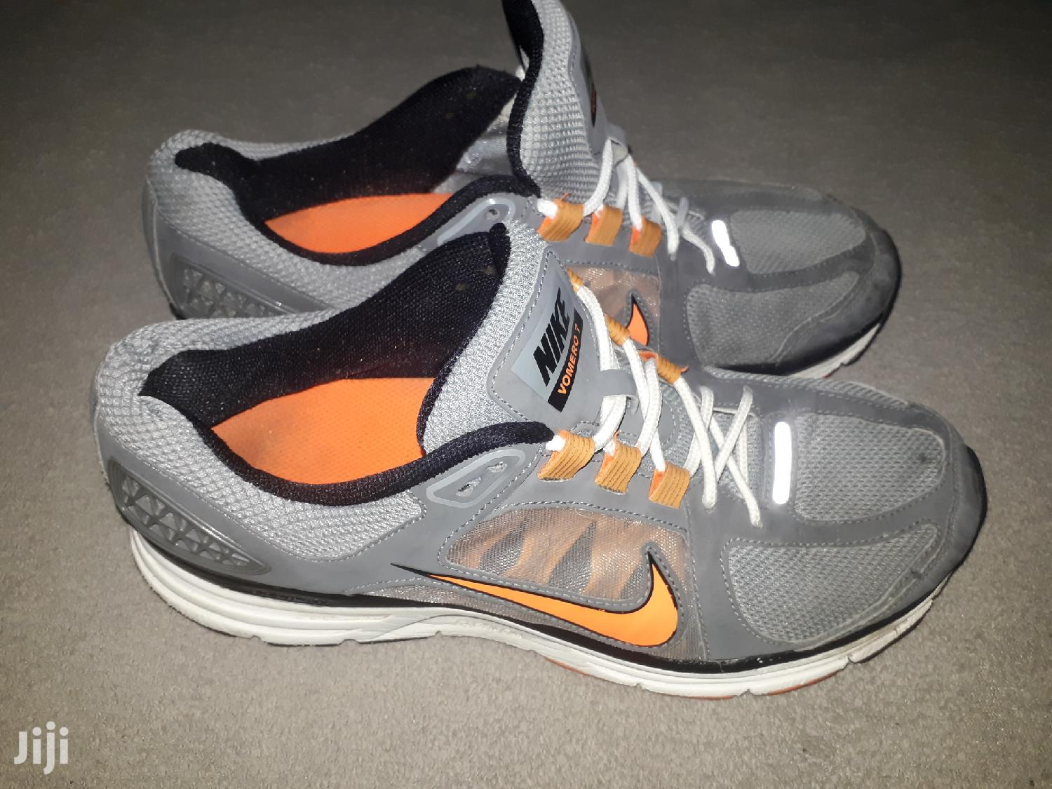 Archive: Nike Vomero 7 Sneakers
