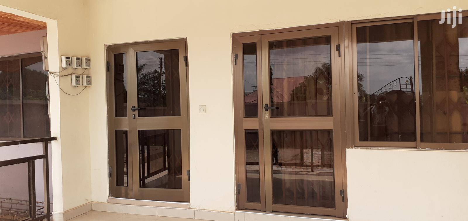 Archive: Executive 2 Bedrooms Flat at Kotei