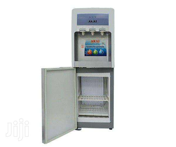 WATER DISPENSER / REFRIGERATOR