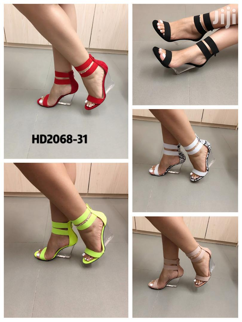 Heel Glass Wedge