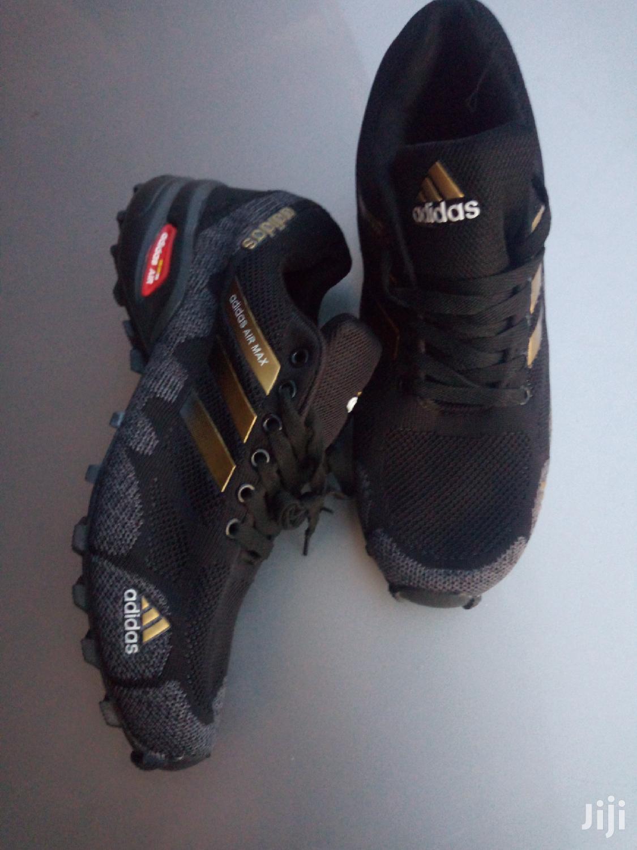 materno Cerveza Existe  Archive: Adidas Fashion Airmax-goldstrip in Ga West Municipal - Shoes,  Lin'S Fasion Home | Jiji.com.gh