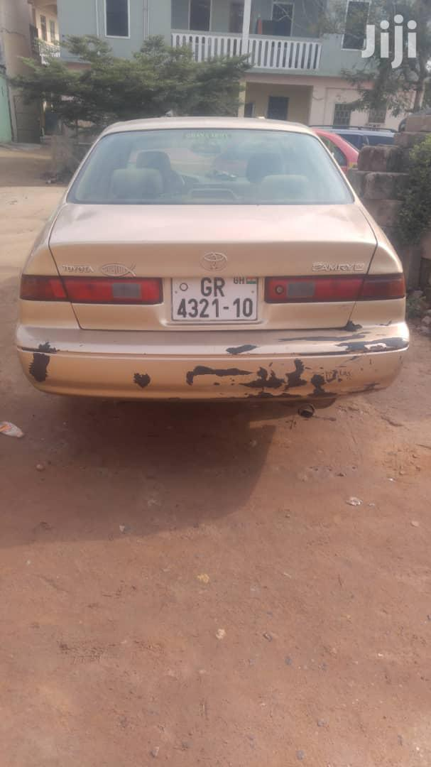 Archive: Toyota Camry 2000 Gold