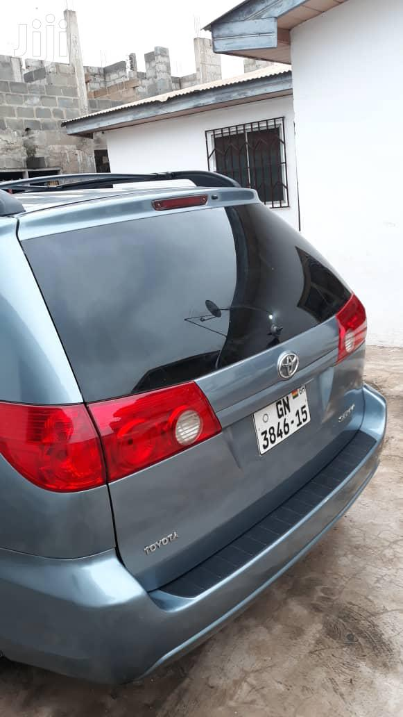 Toyota Sienna 2013 Limited FWD 7Passenger Blue   Cars for sale in Accra new Town, Greater Accra, Ghana