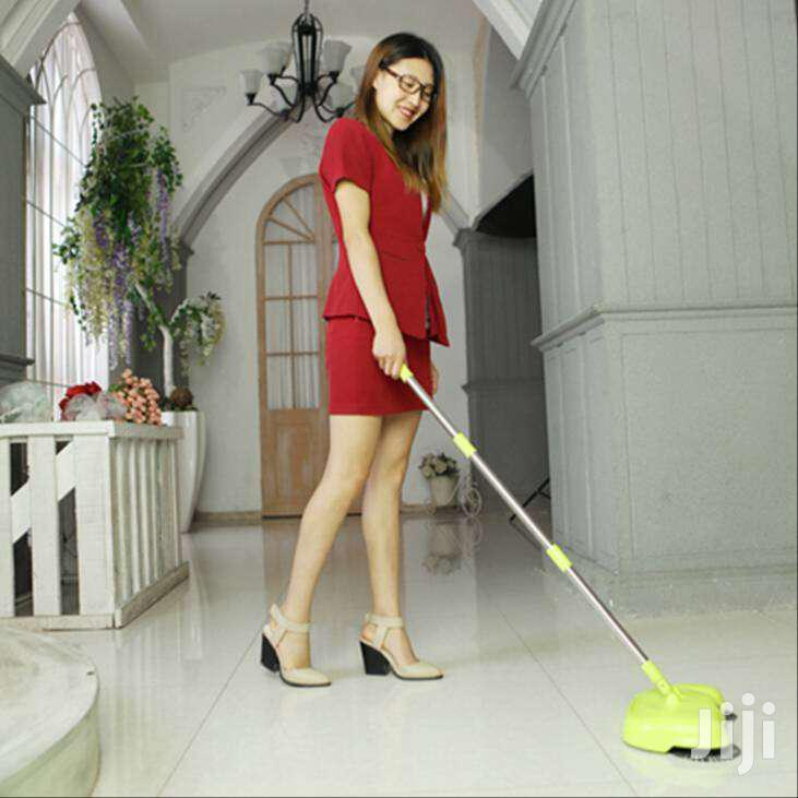 Magic 360° Rotating Sweeper / Broom