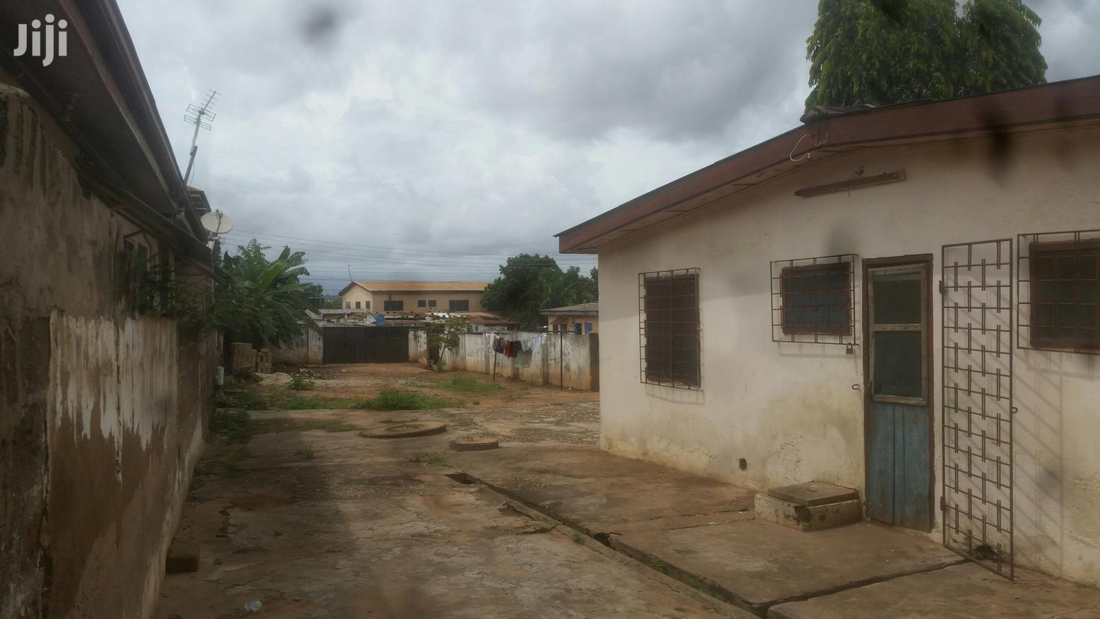 Old House On 2 Plots