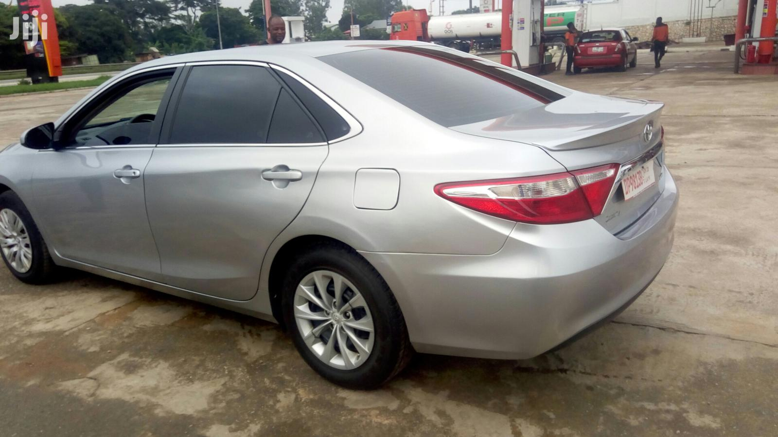 Archive: Toyota Camry 2016 Silver