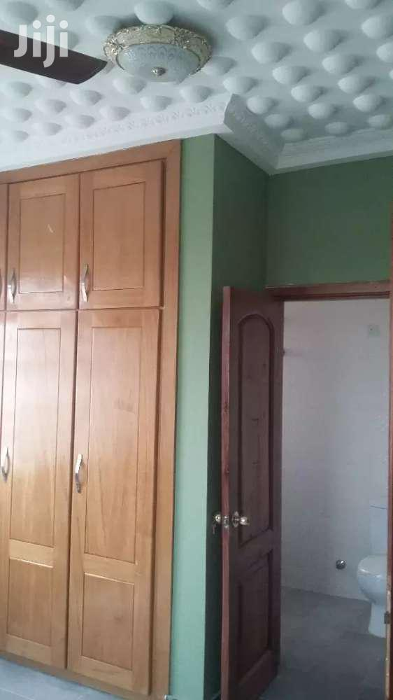 Archive: EXECUTIVE 4 Bedroom Mansion At ASHONGMAN ESTATES - China Area