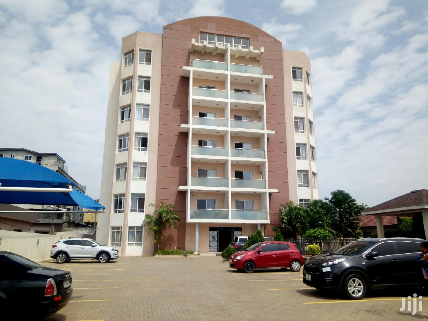 Executive 3 Bedroom Flat at Dzorwulu 4 Sale | Houses & Apartments For Sale for sale in Dzorwulu, Greater Accra, Ghana