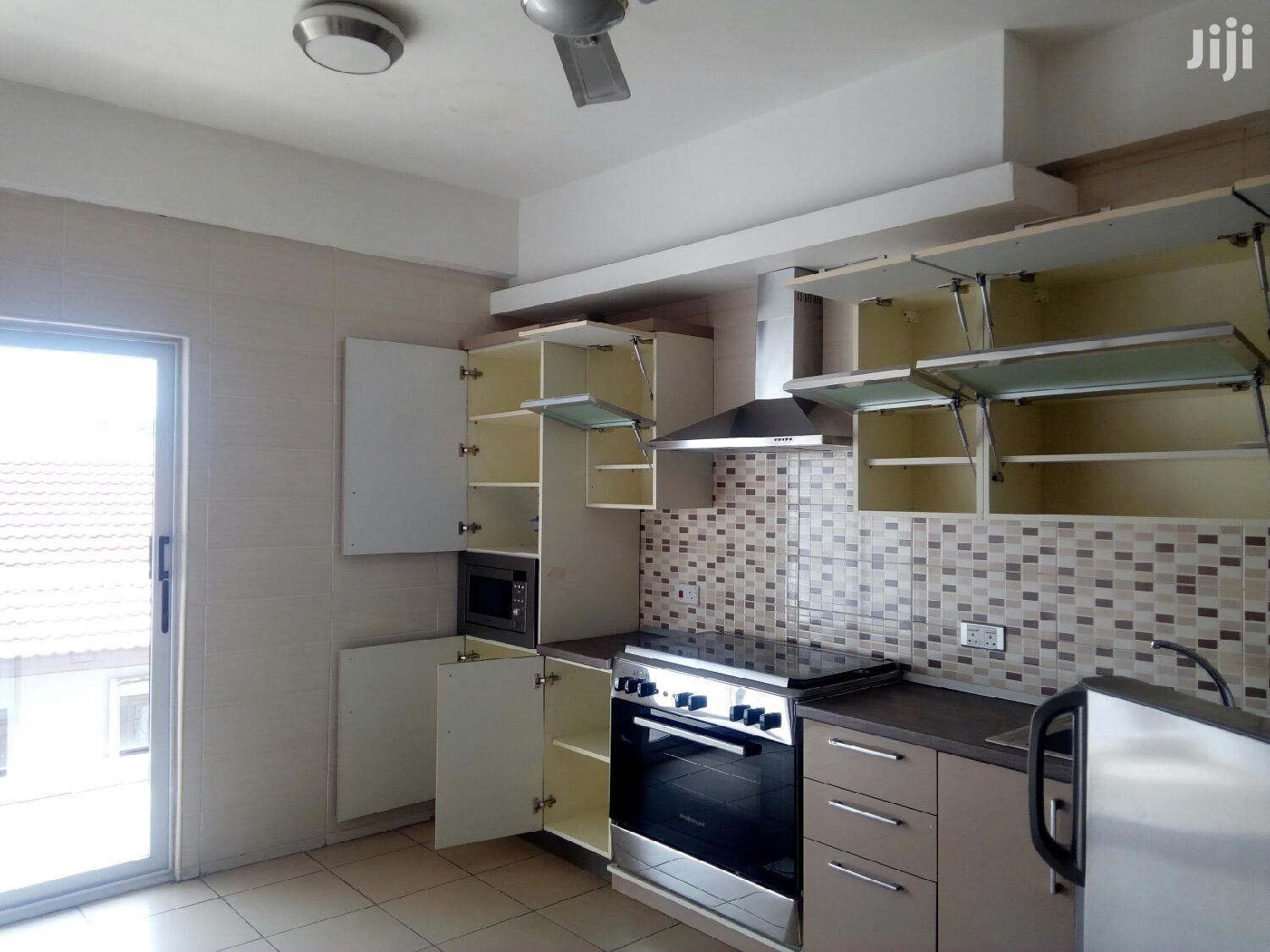 Executive, Furnished 3 Bedroom Flat at West Airport to Let | Houses & Apartments For Rent for sale in Dzorwulu, Greater Accra, Ghana