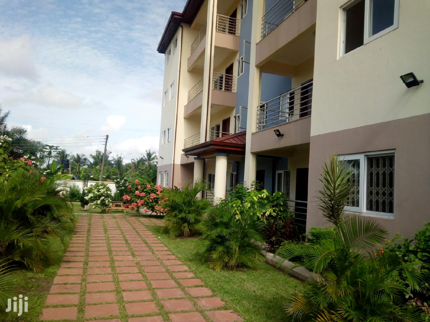 Executive Furnished 3 Bedroom Flat at Haatso to Let