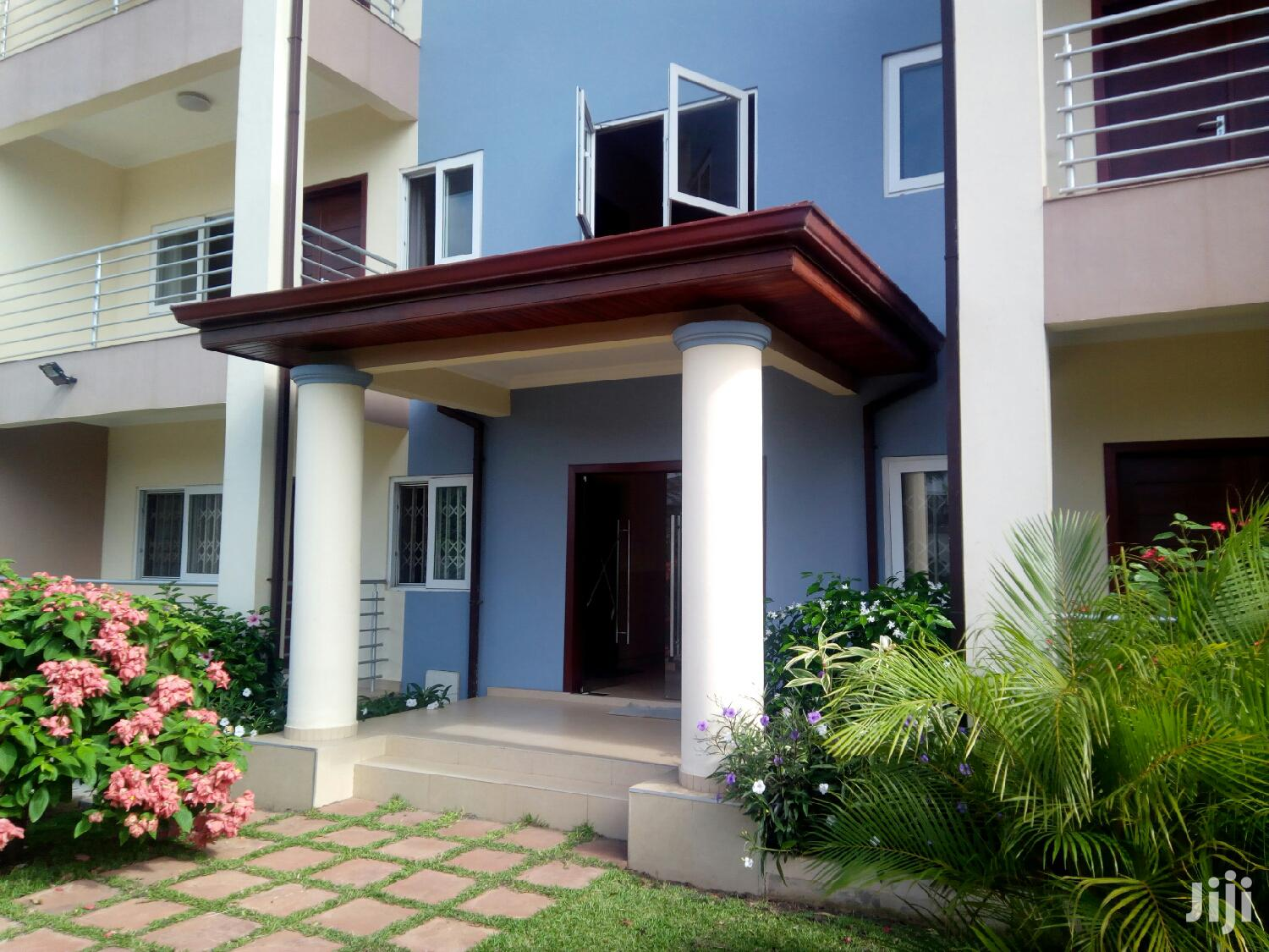 Executive Furnished 3 Bedroom Flat at Haatso to Let | Houses & Apartments For Rent for sale in Adenta Municipal, Greater Accra, Ghana