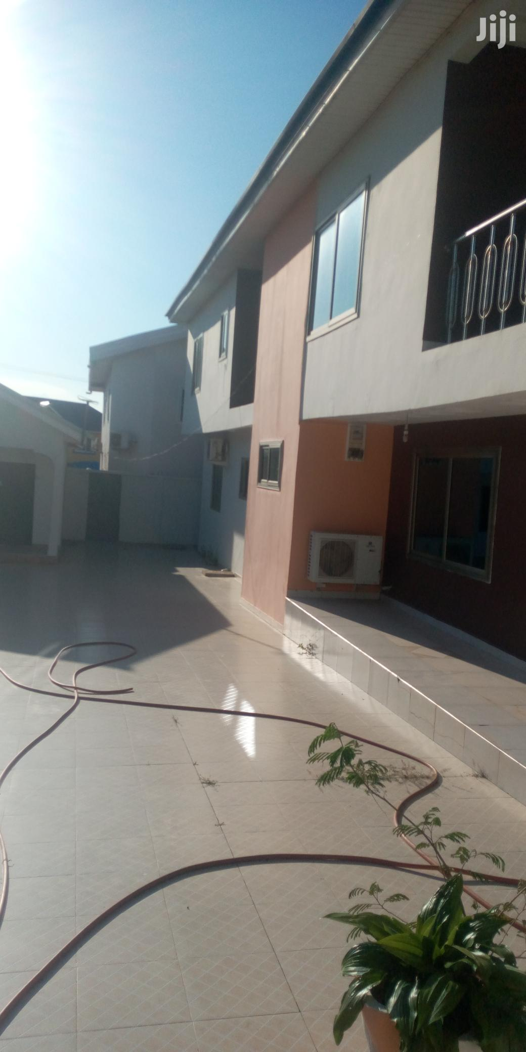 Archive: Ex 6 Bedroom House Is for Rent at Tema Community 11 Estate.