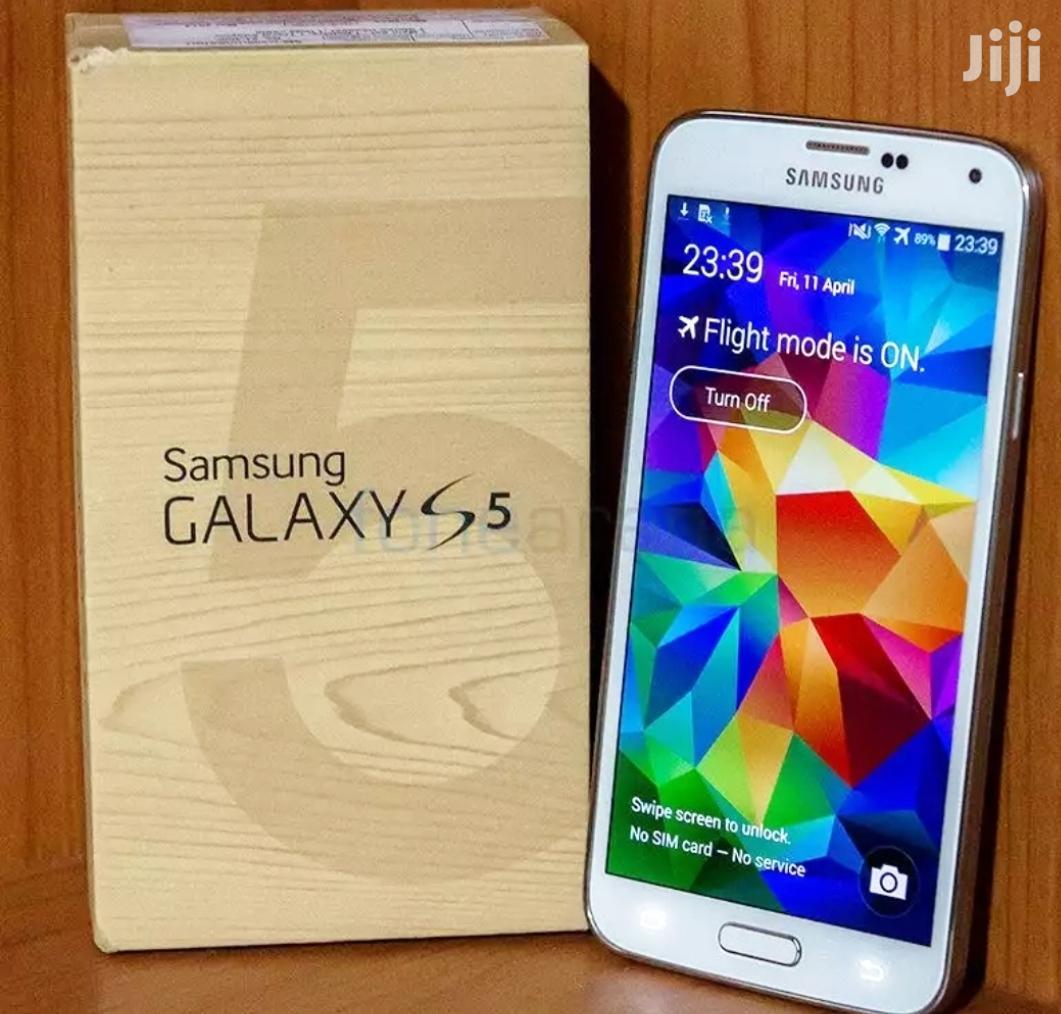 Archive: New Samsung Galaxy S5 16 GB